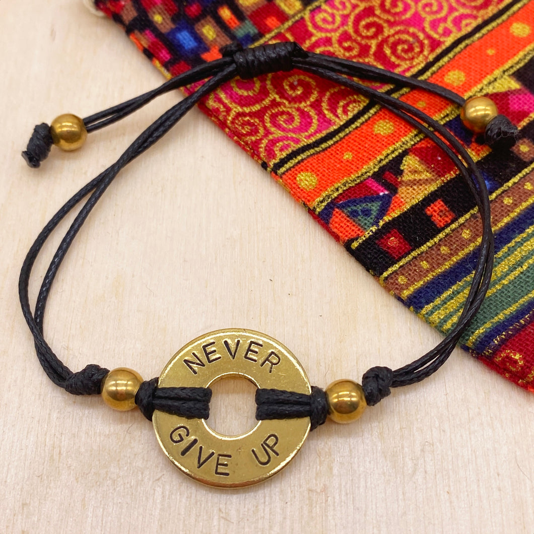 NEVER GIVE UP - Beaded Brass Ring Bracelet