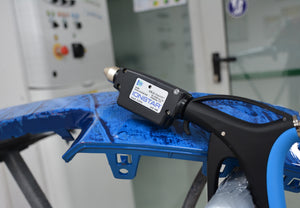 IONSTAR = LESS PAINT DEFECTS + LESS REFINISHING WORK + LESS COSTS = MORE PRODUCTIVITY __ IONSTAR is a unique innovation that neutralises static charge and drastically reduces the problems caused by dust inclusions in the paint finish __ IONSTAR, is simply connected to the compressed air system and generates its own power using a turbine integrated into the device __ IONSTAR therefore neither requires power cables, battery-packs, recharging or external power whatsoever