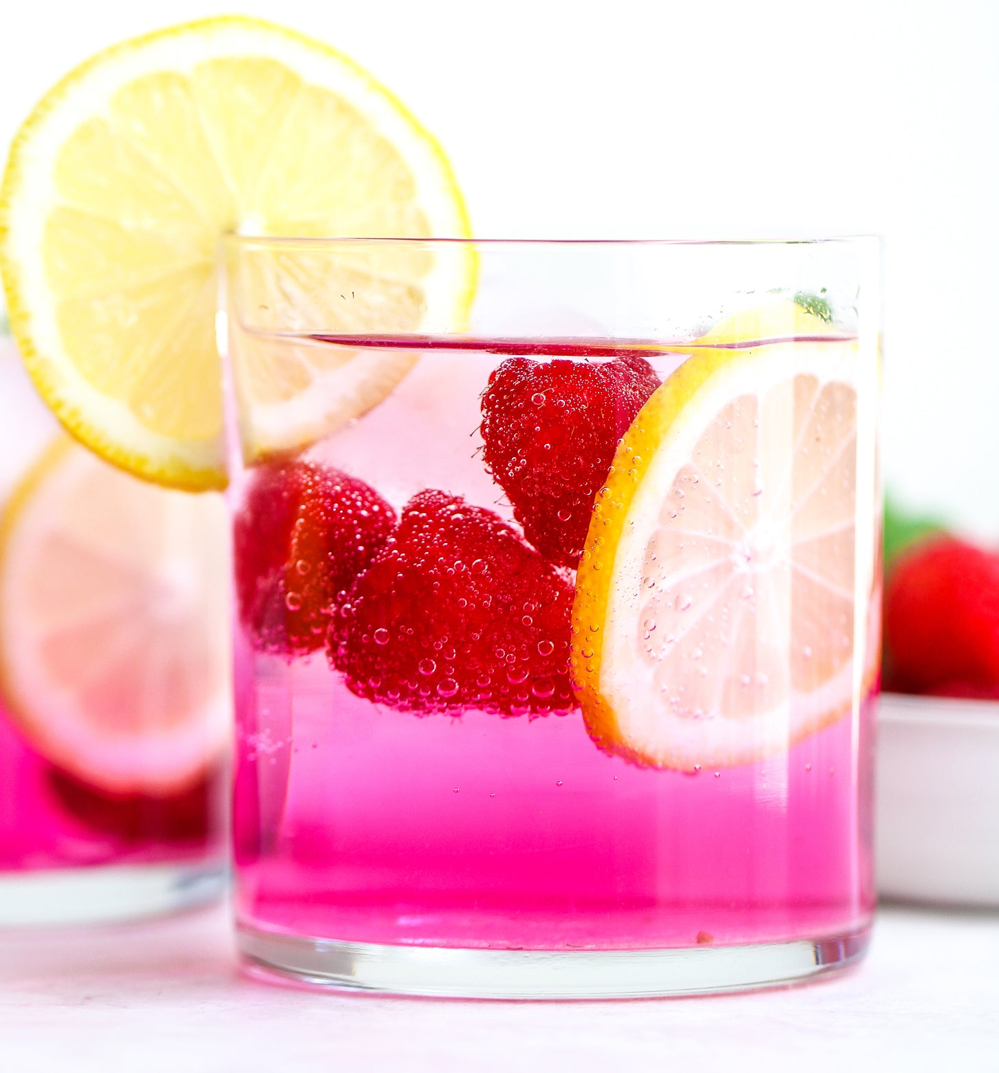 Raspberry Lemon Ultima Replenisher Electrolyte Mocktail by @thebetteredblondie