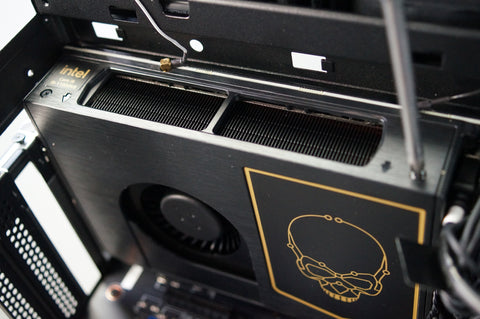 Intel NUC Beast Canyon 11btmi9 PC Dismantle and Build Guide