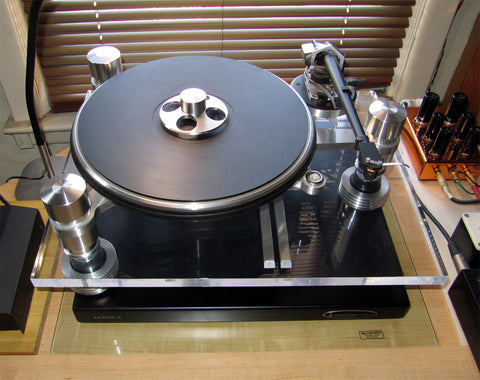 Where to buy Oracle Audio Delphi Turntable with Mnpctech isolation feet.