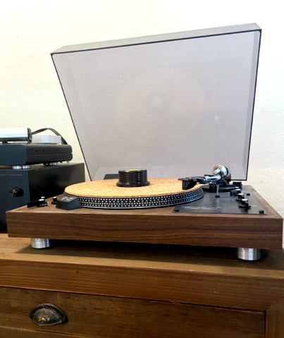 Realistic Labs 420 Record Player Turntable Isolation New Feet Installed