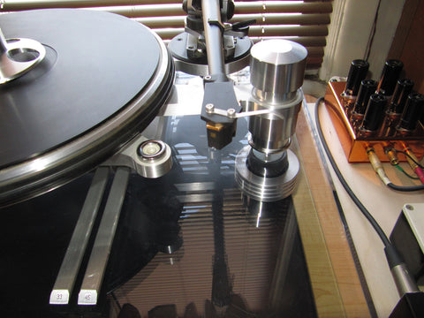 Custom Made Anti-Vibration Feet For Oracle Audio Delphi Turntable with Mnpctech isolation feet pictured on Jim Leporati's Oracle Delphi V turntable.