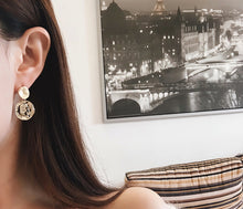 Load image into Gallery viewer, Lily Earrings