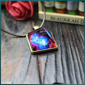 Open image in slideshow, Luminous Pyramid - Pendant - MoonLiit