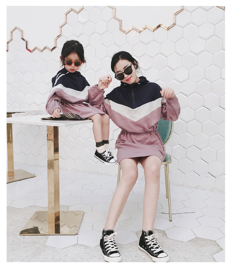 Matching Family Outfits Casual Long Sleeve Sweatshirt Dress Mother Daughter Dresses Hood Splice Mommy and Me Clothes Family Look