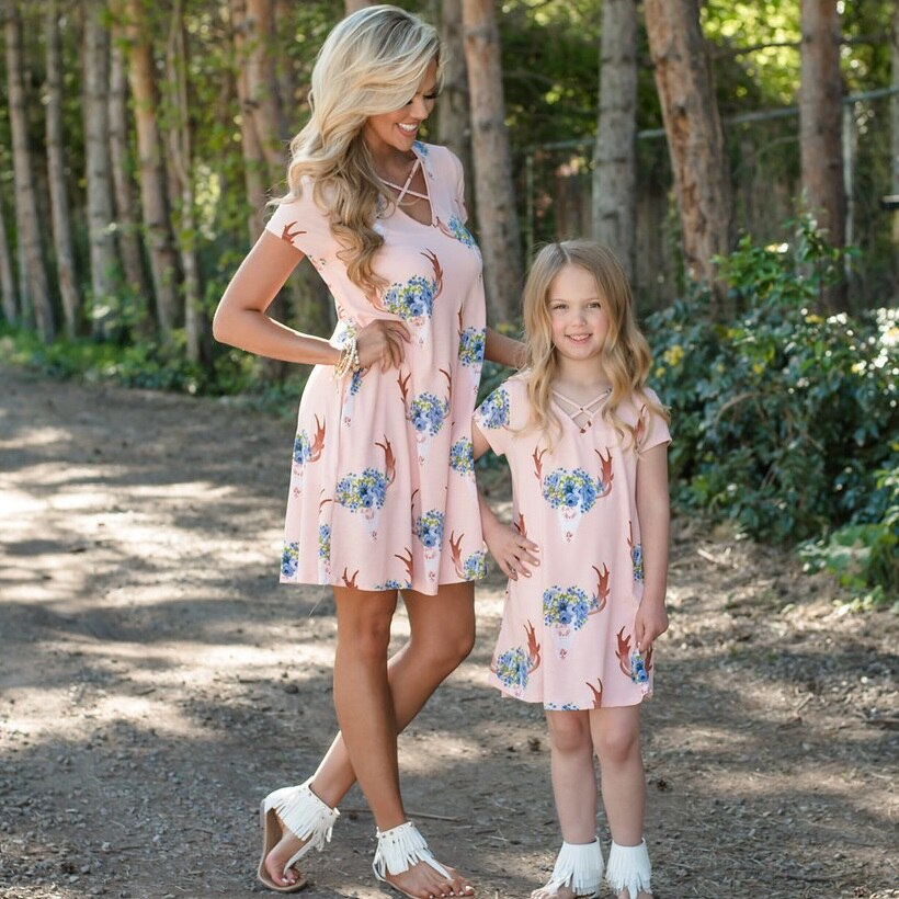 Casual Mother Daughter Dresses Family Look Mommy and Me Outfits Mama Mom and Daughter Matching Clothes Above Knee Dress Clothing