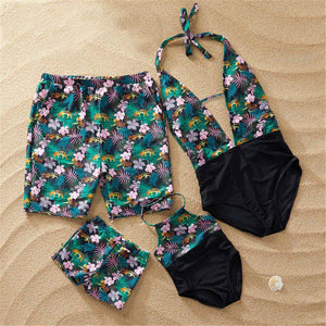 Swimsuit Family Matching Outfits Look 2019 Mother Daughter Swimwear Mommy and Me Bikini Clothes Father Son Swimming Shorts H0464