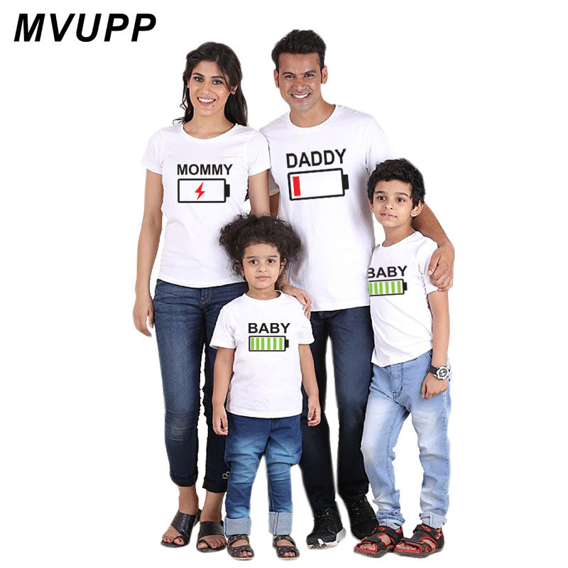 MVUPP family look matching outfits mother daughter father son tee shirt for mom daddy mommy and me baby clothes battery dresses