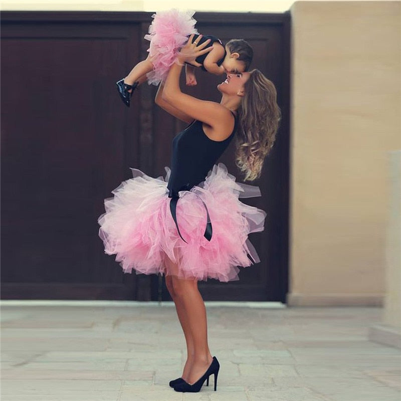 Mommy and Me Tutu Skirt Summer Fashion Family Match Clothes Mother Daughter Matching Ballet Tutu Girls Tulle Skirts H0080