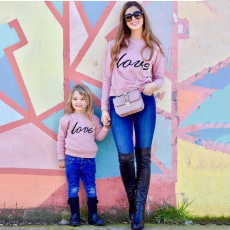 Autumn Winter Family Love Shirts  2018 Mother and Duaghter Clothes Family Christmas Sweaters Pajamas Mommy and Me Sets Dress