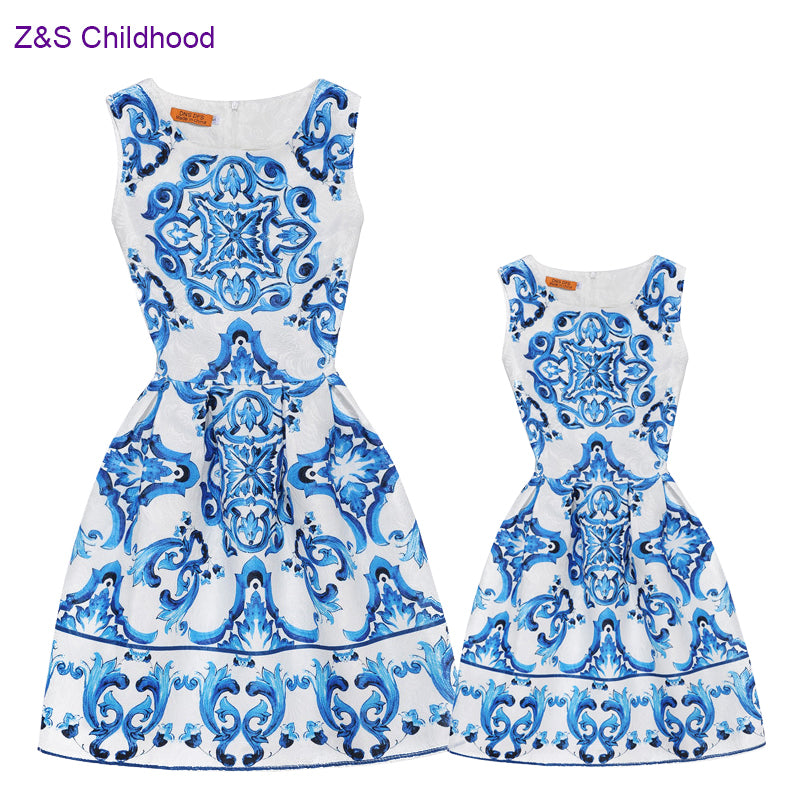 New 2019 Summer Mommy and Me Clothes Mother Daughter Dress Family Dress Blue and white china Print Teenage Girls Clothing A-line