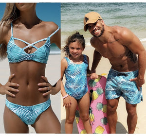 Beachwear Family Matching Clothes Mother Daughter Swimwear Dad Son Swim Shorts Mommy and Me Bikini Bath Swimsuits Look Outfits
