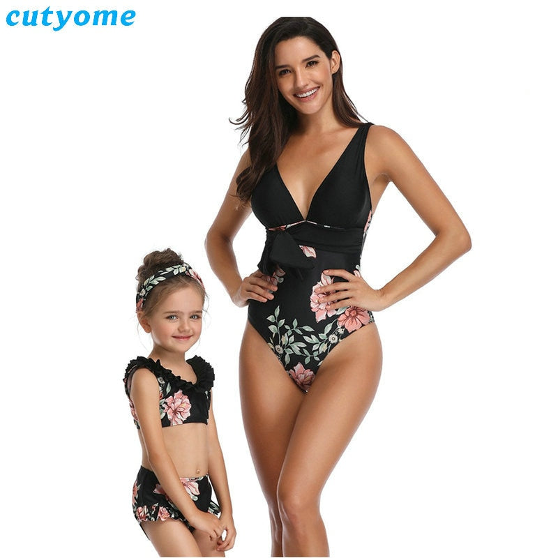 Mother Daughter Swimwear Family look Mommy and Me Bikini Bathing Swimsuit Beachwear Family Matching Mom Daughter Women Clothes