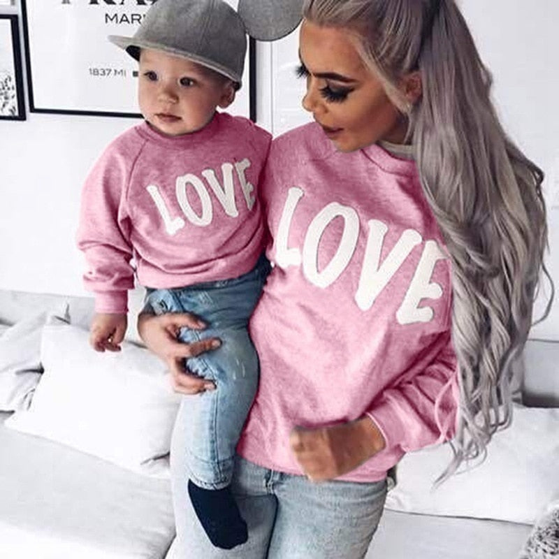 Family Look Mother & Daughter Long-sleeved Love Sweatshirt Family Matching Outfits Mommy&Me Holiday Causal Top T-shirt