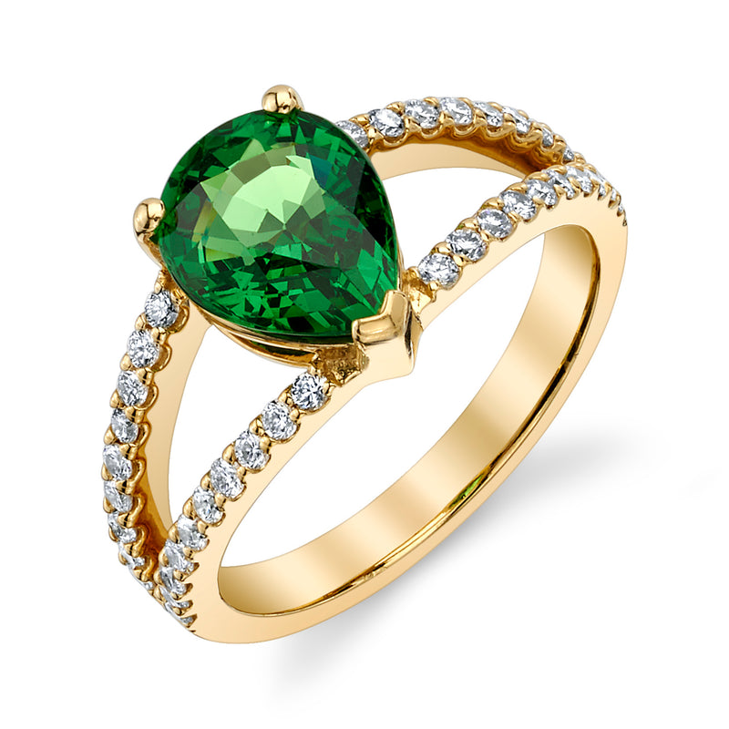 Pear tsavorite and diamond ring side view