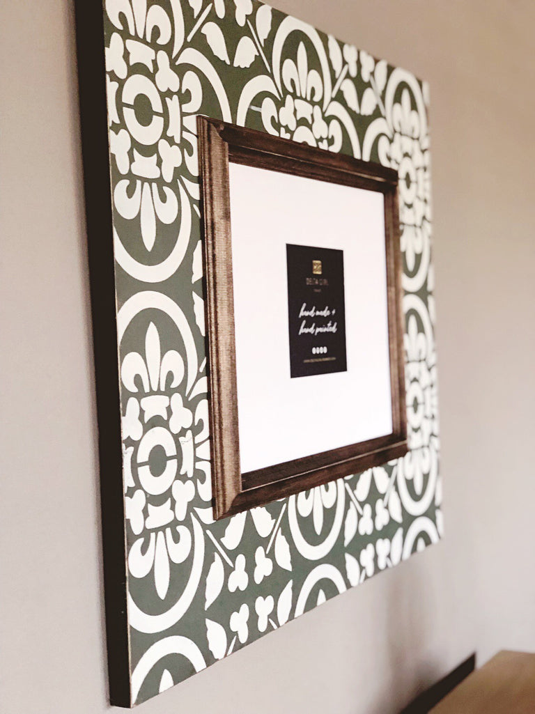 Perfect Sage Statement Frame