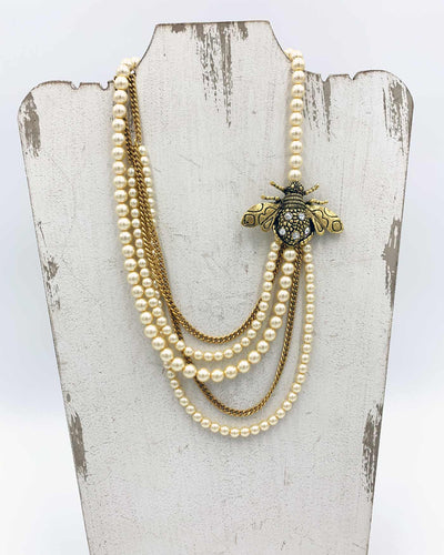 YOCHI RHINESTONE BEE WITH PEARL AND GOLD CHAIN NECKLACE