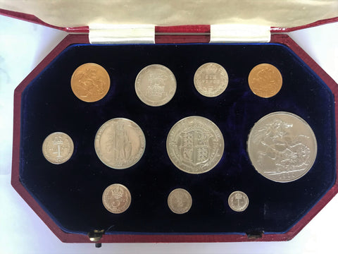 Picture of 1902 King Edward VII Gold and Silver Short Set in original case