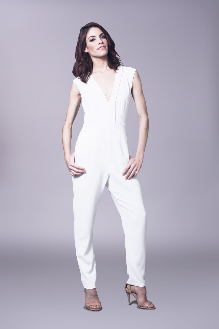 Sleeveless v neck jumpsuit