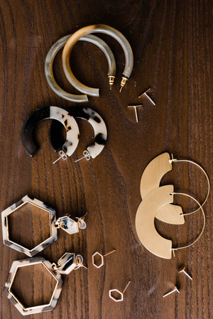 Billie Girl Horn Hoops