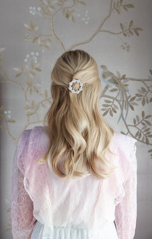The Fashion Bug Blog X Soru pearl cluster hair clip
