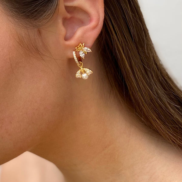 Pearly Bee Gold Earring