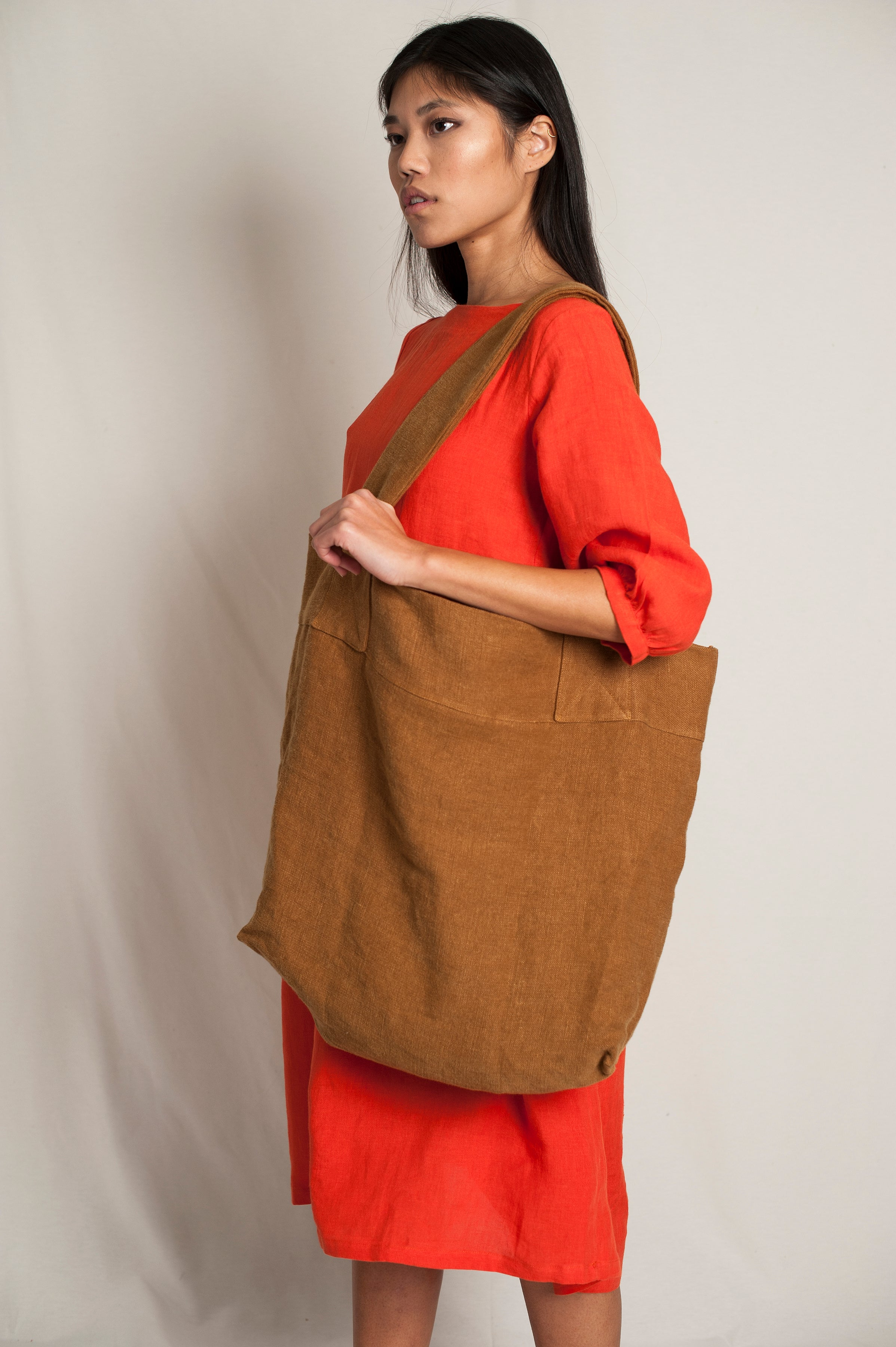 L'Envers - Alfred Linen Bag - 100% French linen - Color Chocolat - Font Picture