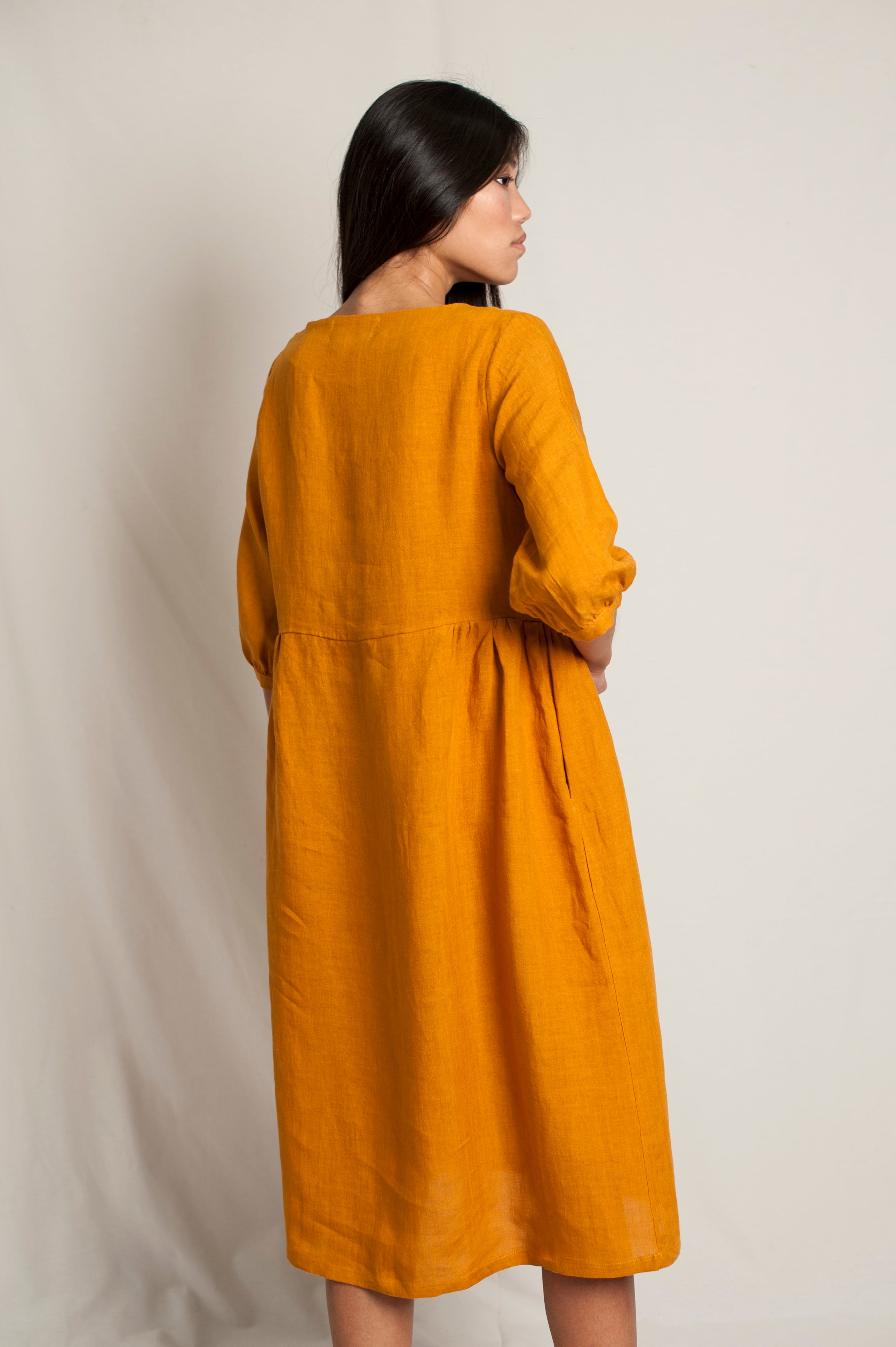 L'Envers - Flora Linen Dress - 100% French linen - Color Ocre - Back Picture