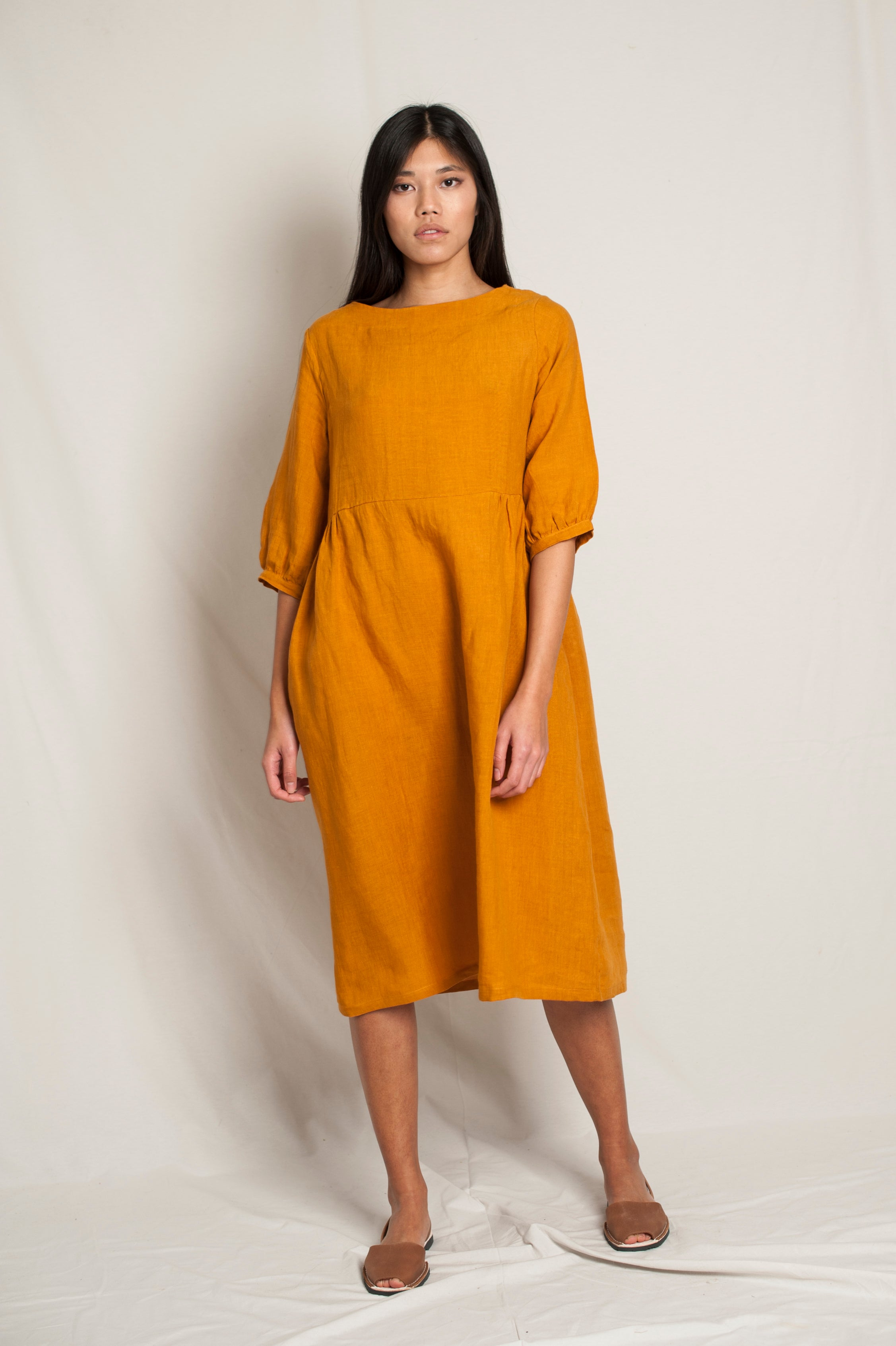 L'Envers - Flora Linen Dress - 100% French linen - Color Ocre - Font Picture