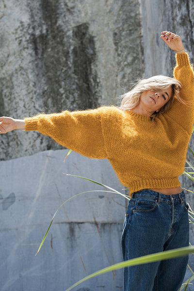 L'Envers - Gala 100% Mohair Sweater - 100% French Mohair - Color Mustard - Ambiance Picture