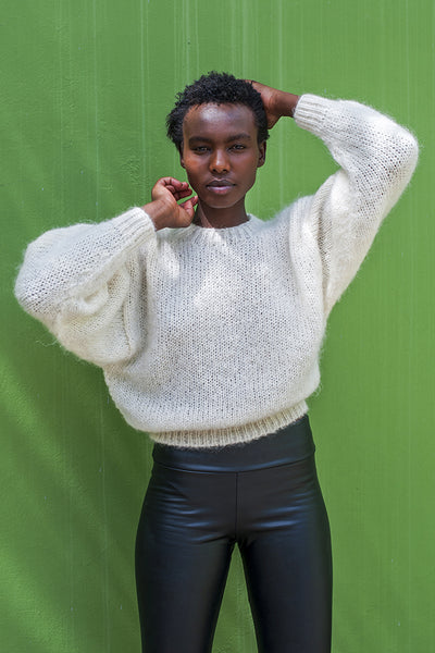 L'Envers - Gala 100% Mohair Sweater - 100% French Mohair - Color White - Ambiance Picture