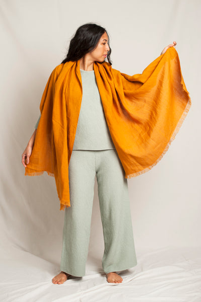 L'Envers - Sylvie Linen Scarf - 100% French linen - Color Ocre - Preview Picture