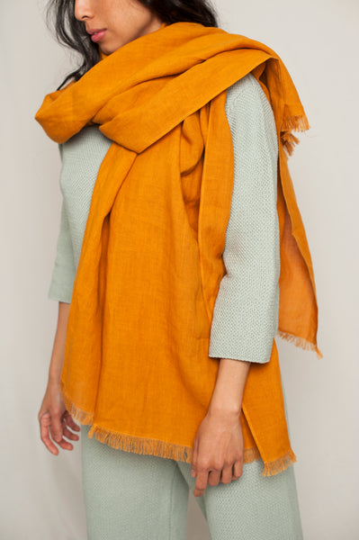 L'Envers - Sylvie Linen Scarf - 100% French linen - Color Ocre - Font Picture