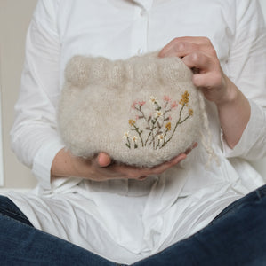 Knitted knitting bags - English
