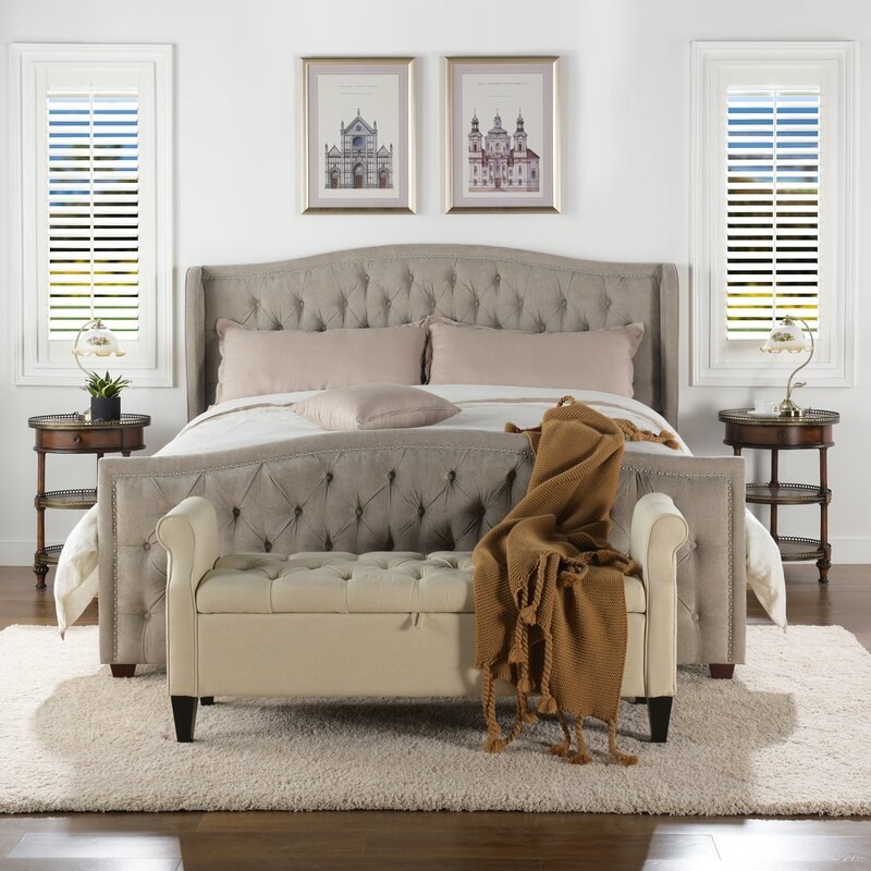 Vittorio Button Detailed Upholstered Platform Bed