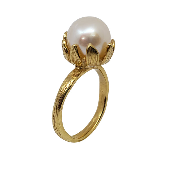Ophrys - Large Pearl Engagement Ring