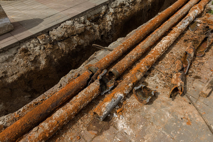 How to Find Underground Cast Iron Pipes with a Metal Detector