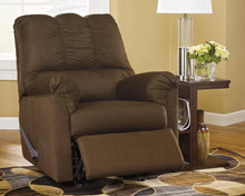 Load image into Gallery viewer, Darcy Recliner 7500425