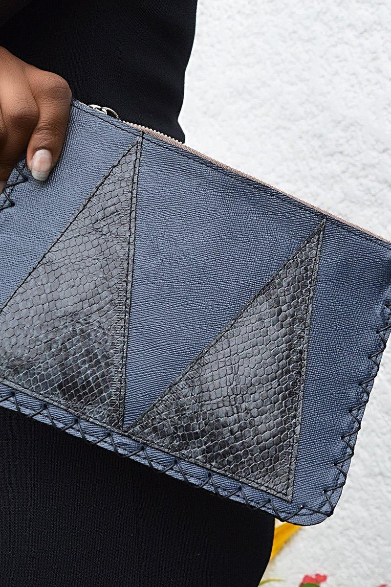 Marté Egele- Vivian Flat Leather Pouch(Navy) - waafashion