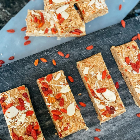 fibre rich homemade goji oat bars