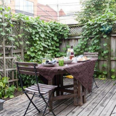 5 Ways to Keep Flies Away from Your Patio Picnic