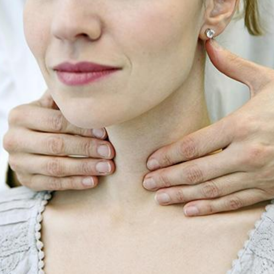5 Ways to Naturally Regulate Your Thyroid