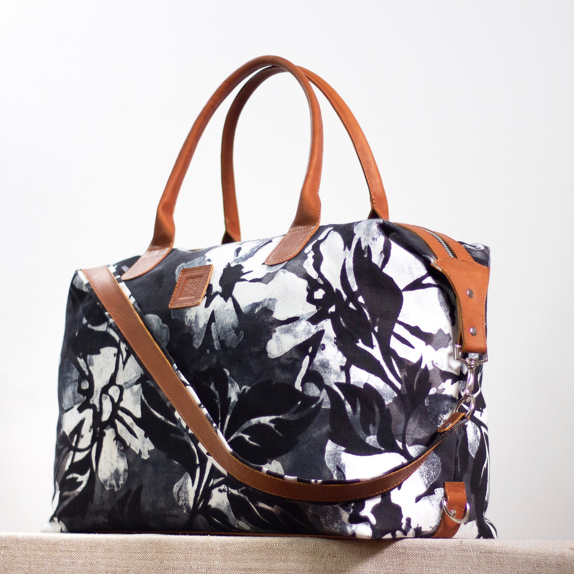 Intrepid Traveler - Convertible Tote - Hula Nights