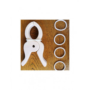 Trigonos Wooden Peg Set of 4