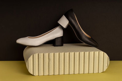 MAVRO ASPRO Black and White Leather Pumps