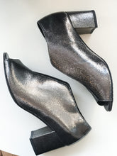 Load image into Gallery viewer, FINK SILVER Metallic Peep Toe Shoe