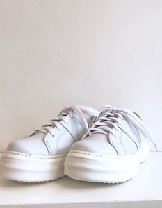 BIANCO Light Grey Leather Sneaker