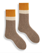 Load image into Gallery viewer, WOMEN'S RIBBED COLORBLOCK CREW SOCK