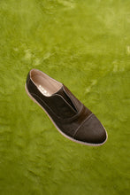 Load image into Gallery viewer, ESPRESSO Brown Pony Hair Oxfords